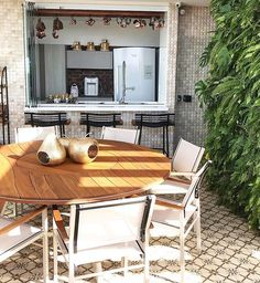 Em clima de fim de semana {} Destaque para o piso e parede verde  Linda { Projeto @anneliselacerda } . . . #homeDecor #projetos #decoração #interiores #arquitetura #decor #arquiteturadecoracao #interiordesign #blogalmocodesexta #grupodecordigital #olioliteam