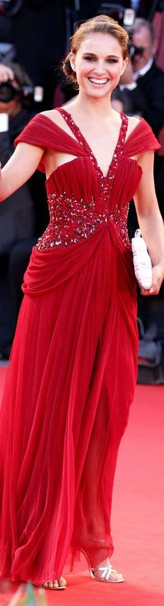 Red Carpet fashion dress Natalie Portman in red