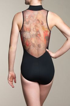 This Zip Front Ainsliewear bodysuit with Valentina Print back is art-inspired. The art was done by Ainslie's father, himself! A very special and unique addition to any dancer's wardrobe. This style is not lined.