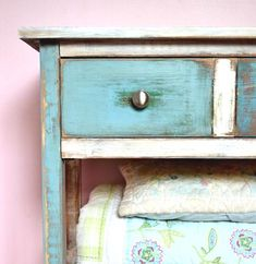 excellent tutorial on distressed paint finish