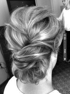 Trying to NOT pretend this board is for MY wedding... but it's hard. I want this hair... but you can have it...