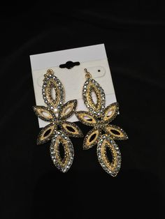 Stunning new earrings! Perfect for the fall season!