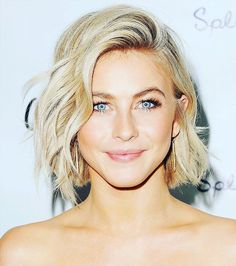 60 Timeless Short Blonde Hair Ideas — Tempting Styles Check more at http://hairstylezz.com/best-short-blonde-hair-styles/