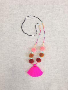 Pom pom necklace - Studio Deseo