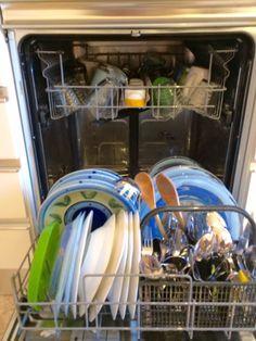 Falsi miti sulla lavastoviglie, in mezz'ora riuscivamo a fare la cucina proprio perché c'era la lavastoviglie che puliva al posto nostro, http://www.blogfamily.it/28051_falsi-miti-sulla-lavastoviglie/