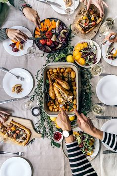 3 Recipes for a Gluten-Free Thanksgiving Gesund nimmt Urlaub Grundnahrungsmittel – Glutenfreie Thanksgiving-Rezepte Healthy Thanksgiving Recipes, Gluten Free Thanksgiving, Thanksgiving Table, Fall Recipes, Food Photography Styling, Food Styling, Paris Photography, Fingers Food, Antipasto