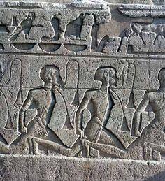 Jeroglífics propers a l'entrada del temple.Abu Simbel Egypt