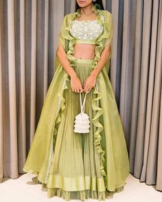 Indian Fashion Dresses, Indian Gowns Dresses, Dress Indian Style, Indian Designer Outfits, Indian Fashion Trends, Fashion Outfits, Indian Wedding Outfits, Indian Outfits, Wedding Dresses