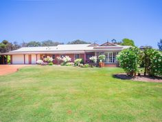 Owners Downsizing and Ready to Move On... Semi-Rural Equestrian Delight! See more: horseproperty.com.au/property/27609  #WesternAustralia #Oakford #ForSale #HorseProperty