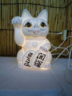 Maneki Neko (lucky, wlecoming cat) from Japan
