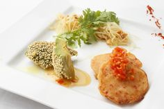 Banh xeo with a lots of vegetables / Pad thai of potatos / Avocado fritted by quinoa with chili sauce  http://g-veggie.com/gandv/