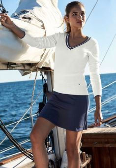 Uta Raasch - V-Pullover - Weiß / Marine - Mode Inspiration Adrette Outfits, Preppy Outfits, Preppy Style, Work Outfits, Nautical Outfits, Nautical Fashion, Nautical Party, Nautical Wedding, Sailing Outfit
