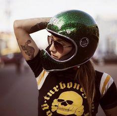 8negro: Helmet+girl