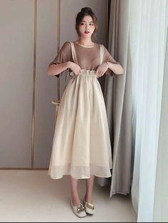Girls Fashion Clothes, Teen Fashion Outfits, Mode Outfits, Modest Fashion, Dress Outfits, Fashion Dresses, Kawaii Fashion, Cute Fashion, Look Fashion
