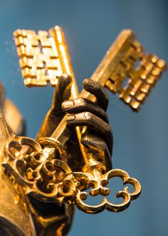 "hautlescoeurs: ""Peter's Keys (Aachen, Germany) "" Catholic Art, Catholic Saints, Roman Catholic, Roman Church, Gate Of Hades, Catholic Wallpaper, Christian Artwork, Jesus Art, Kingdom Of Heaven"