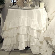 Pom-Pom-at-Home-Audrey-ruffled-petticoat-tablecloth-Gorgeous-Fab-NIP