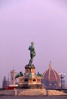 La Piazzale Michelangelo tiene un aura romántica especial: desde aquí se observa toda Florencia - Florencia: por amor al arte