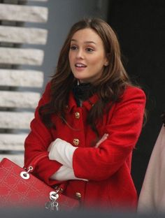 Leighton Meester as Blair Waldorf in Gossip Girl wearing a red coat with a red D - Dior Purse - Ideas of Dior Purse dior purse diorpurse - Leighton Meester as Blair Waldorf in Gossip Girl wearing a red coat with a red Dior purse. Gossip Girls, Mode Gossip Girl, Estilo Gossip Girl, Gossip Girl Outfits, Gossip Girl Fashion, Estilo Blair Waldorf, Blair Waldorf Outfits, Blair Waldorf Gossip Girl, Gossip Girl Blair