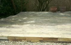 deck made from pallets by queen