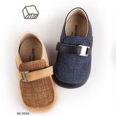 Ανατομικά παπούτσια για αγοράκι της ελληνικής εταιρείας Babywalker. Το  παπούτσι αυτό είναι διαθέσιμο σε μπλε 1fc61445b09