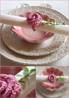 Turn crocheted flowers into napkin rings (pattern).