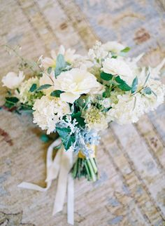 Soft green and cream bouquet | Tracy and Andrew Charlottesville, Virginia Wedding