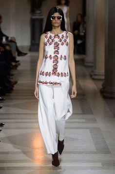 Carolina Herrera at New York Fashion Week Fall 2016 - Runway Photos
