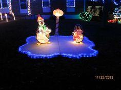 Pond with sțyrofoam and chaser lights Outdoor Christmas Light Displays, Christmas Light Show, Christmas Light Installation, Hanging Christmas Lights, Christmas Yard Decorations, Holiday Lights, Christmas Time, Coastal Christmas, Christmas Projects