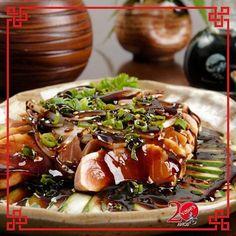 Já experimentou o nosso Tataki ? Olha ele vem acompanhado com um leve toque de molho tailandês e finalizado com gergelim. As opções são de salmão atum e peixe branco.   #japanesefood #comidajaponesa #sushi #amigos #instafood #topaumjapa #sorocaba #sashimi #barca #yoshissorocaba #tataki #atum #peixebranco #salmão by yoshis_sorocaba