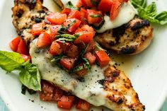 GRILLED BRUSCHETTA CHICKEN By . Easy, healthy grilled bruschetta chicken with simple seasonings, melty mozzarella cheese, and a fresh tomato and basil topping is t… Healthy Snacks, Healthy Eating, Summer Healthy Meals, Simple Healthy Meals, Eating Clean, Healthy Gourmet, Healty Meals, Heart Healthy Meals, Healthy Supper Ideas