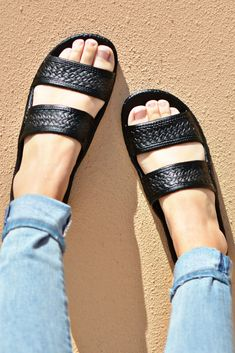 9e7860b3dd7e The original classic Pali Hawaii Jesus slide sandal also known as jandals  with the turtle imprint is famous for it s comfort. Once you try this soft  sandal ...