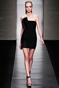 Gianfranco Ferré Spring 2012 Ready-to-Wear Fashion Show - Siri Tollerød