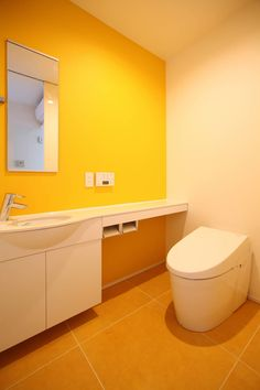 OARK一級建築士事務所 の モダンな 洗面所/風呂/トイレ トイレ