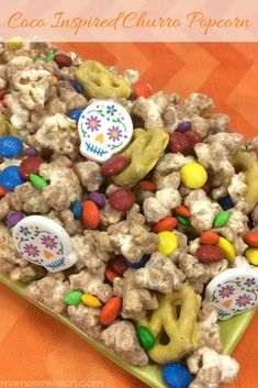 Have yourself a fun Coco themed movie night in with the kids - but don't forget the popcorn! This delicious Coco inspired Churro Popcorn recipe is sure to make the night complete. Cinnamon Butter, Cinnamon Powder, Kettle Popcorn, Disney Inspired Food, Candy Skulls, Family Movie Night, Popcorn Recipes, Chocolate Covered Pretzels, Chocolate Coating