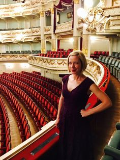 Lucy Worsley adopts the Half Amphora pose at the Opera House. How Lovely does see look? Ever so I'd say.