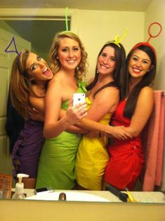 75 Last-Minute College Halloween Costume Ideas To all the procrastinators out there: I got you. Cute Group Halloween Costumes, Costume Ideas For Groups, Bff Costume Ideas, Funny Group Halloween Costumes, Halloween Decorations, College Costumes, Girl Group Costumes, Teen Costumes, Last Minute Halloween Costumes