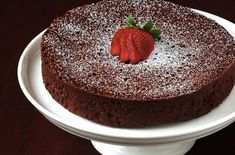 Today we have some very delicious chocolate cake images which you can see here. These all are cake, chocolate, Chocolate cake, Yummy and Delicious cakes. Köstliche Desserts, Delicious Desserts, Passover Desserts, Low Calorie Chocolate, Cake Recipes, Dessert Recipes, Diet Recipes, Cupcake Cakes, Cupcakes