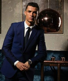 10 Patterns Every Gentleman Should Know About Cristiano Ronaldo Style, Cristano Ronaldo, Ronaldo Football, Mens Fashion Blog, Mens Fashion Suits, Star Fashion, Fashion Tips, Cr7 Jr, Odell Beckham Jr Wallpapers
