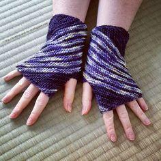 Free Knitting Pattern: Inclination Wrist Warmers