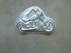 Motorcycle Wilton Character Pan