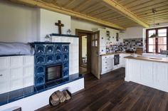 Rustikální vzhled podlahové krytiny z kolekce Da Capo podtrhuje přirozenou krásu hrubě opracovaného dřeva.