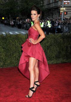 Kate-Beckinsale-Feet-989088.jpg (2550×3668)