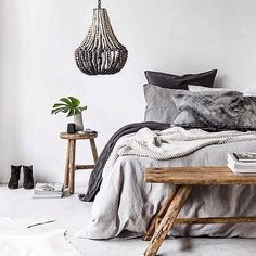 Pic by @indiehomecollective shows how incredible natural materials look inside the home - such a cosy space