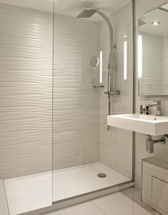 Trendy bathroom small ideas remodel walk in shower tile Ideas Bathroom Remodel Cost, Shower Remodel, Bathroom Renovations, Kitchen Remodel, Bath Remodel, Bathroom Layout, Modern Bathroom Design, Bathroom Interior Design, Bathroom Ideas