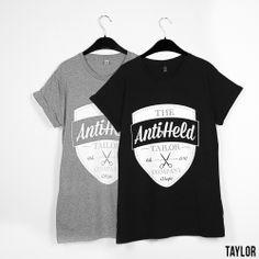 Taylor // GREY: http://antiheld-couture.com/shop/unisex-shirts/38-ultra-taylor-shirt-grau.html BLACK: http://antiheld-couture.com/shop/unisex-shirts/69-taylor-unisex-shirt-schwarz.html