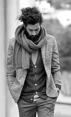 gentleman style with winter scarf Gentleman Mode, Gentleman Style, Dapper Gentleman, Mode Masculine, Masculine Energy, Sharp Dressed Man, Well Dressed Men, Fashion Moda, Mens Fashion