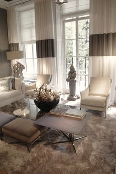 Flexform - Fly Tabel - Boss armchair - Curtains - Byron & Jones Interiors