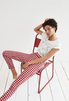 "madewell 9"" high-rise gingham skinny crop jeans worn with the bandana print tee."
