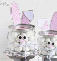 Bunny Treat Bucket - The Happy Scraps Easy Easter Crafts, Easter Projects, Bunny Crafts, Craft Projects, Craft Ideas, Rabbit Crafts, Cute Easter Bunny, Hoppy Easter, Happy Easter Banner