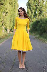 Šaty - Žlté šaty s kruhovou sukňou a vreckami - 7378054_